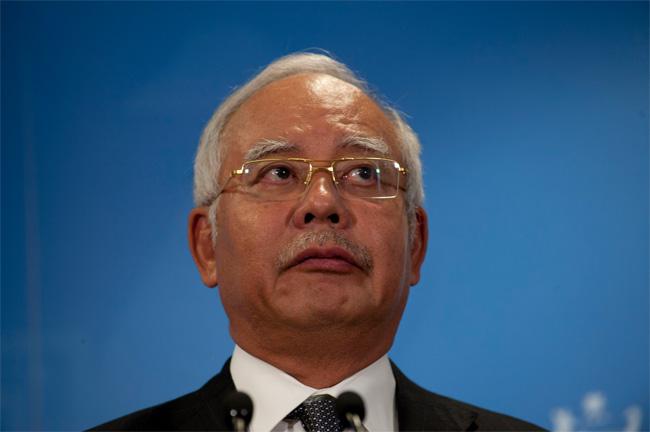 "Neil Keenan Is ""The One"" LOL SMH Najib-Razak"
